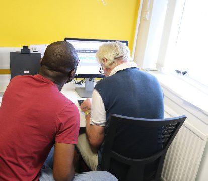 digital inclusion training class in glasgow